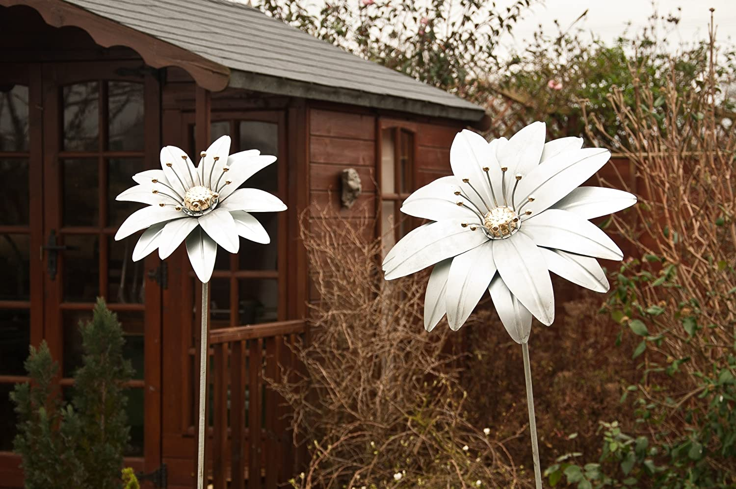 'Gerbera Magic' Large Decorative Metal Garden Flower & Ground Spike - 1.88m Tall - Galvanised Silver with Polished Brass Stamen Black Country Metal Works HS300/PBL/GAL