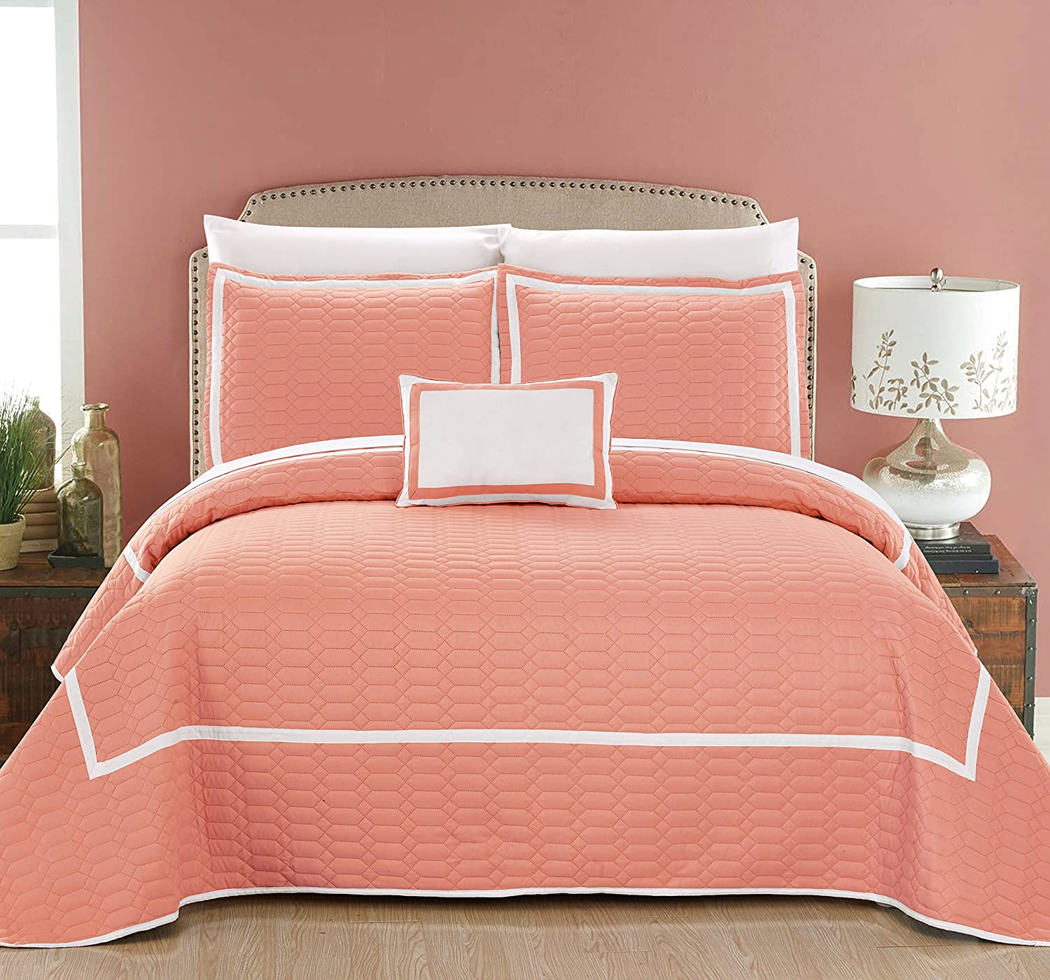 Chic Home 8 Piece Mesa Hotel Collection 2 Tone Banded Geometrical Quilt Set