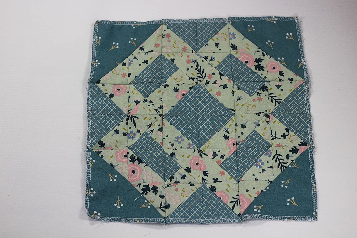 Threaders GEM MD-BAB Bulld Gemini Patchwork System Build-a-Block Textile /& Fabric Patch Work Quilting Set Silver
