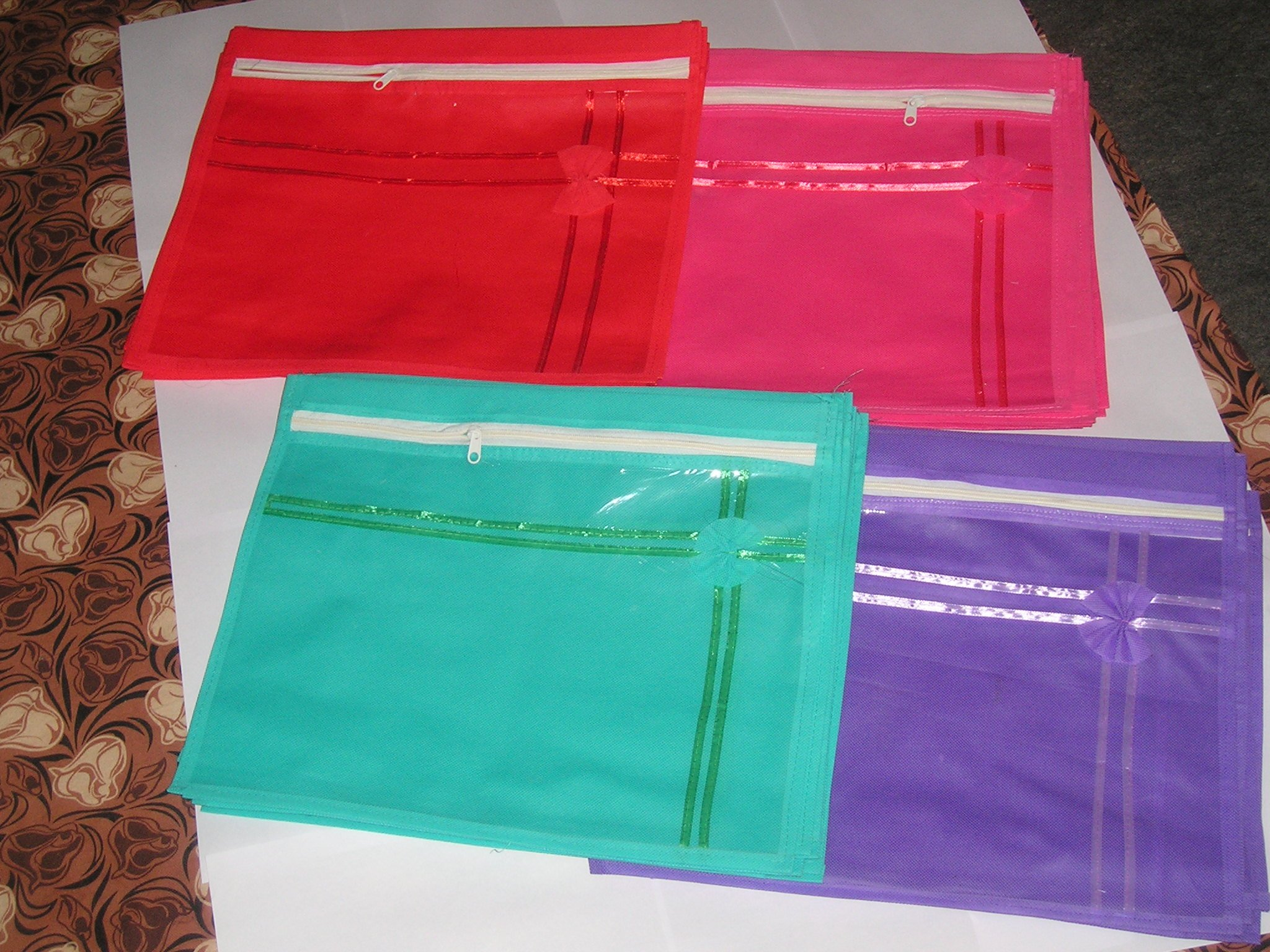 ( 12 PC) Oneside Clear Plastic Clothes Sari Saree Garment Storage , saree Bow cover Bags by Mufaddal Traders (Image #1)