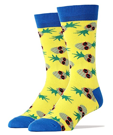 c65df3a00e6 Amazon.com  Mens Funny Novelty Crew Pineapple Dude Socks  Clothing