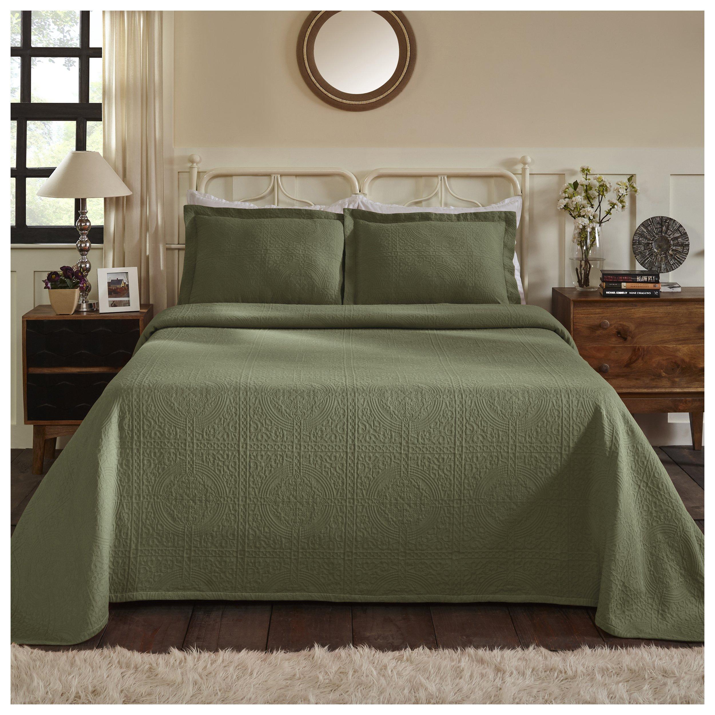 Superior 100% Cotton Medallion Bedspread with Shams, All-Season Premium Cotton Matelassé Jacquard Bedding, Quilted-look Floral Medallion Pattern - King, Sage
