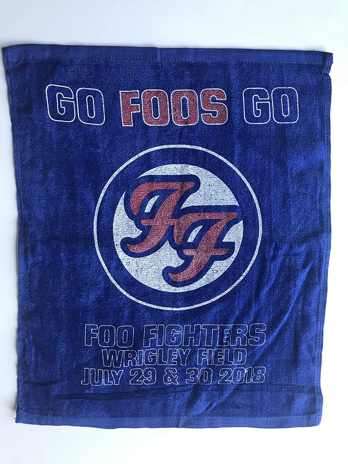 Foo Fighters rally towel chicago cubs wrigley field baseball 2018 tour new