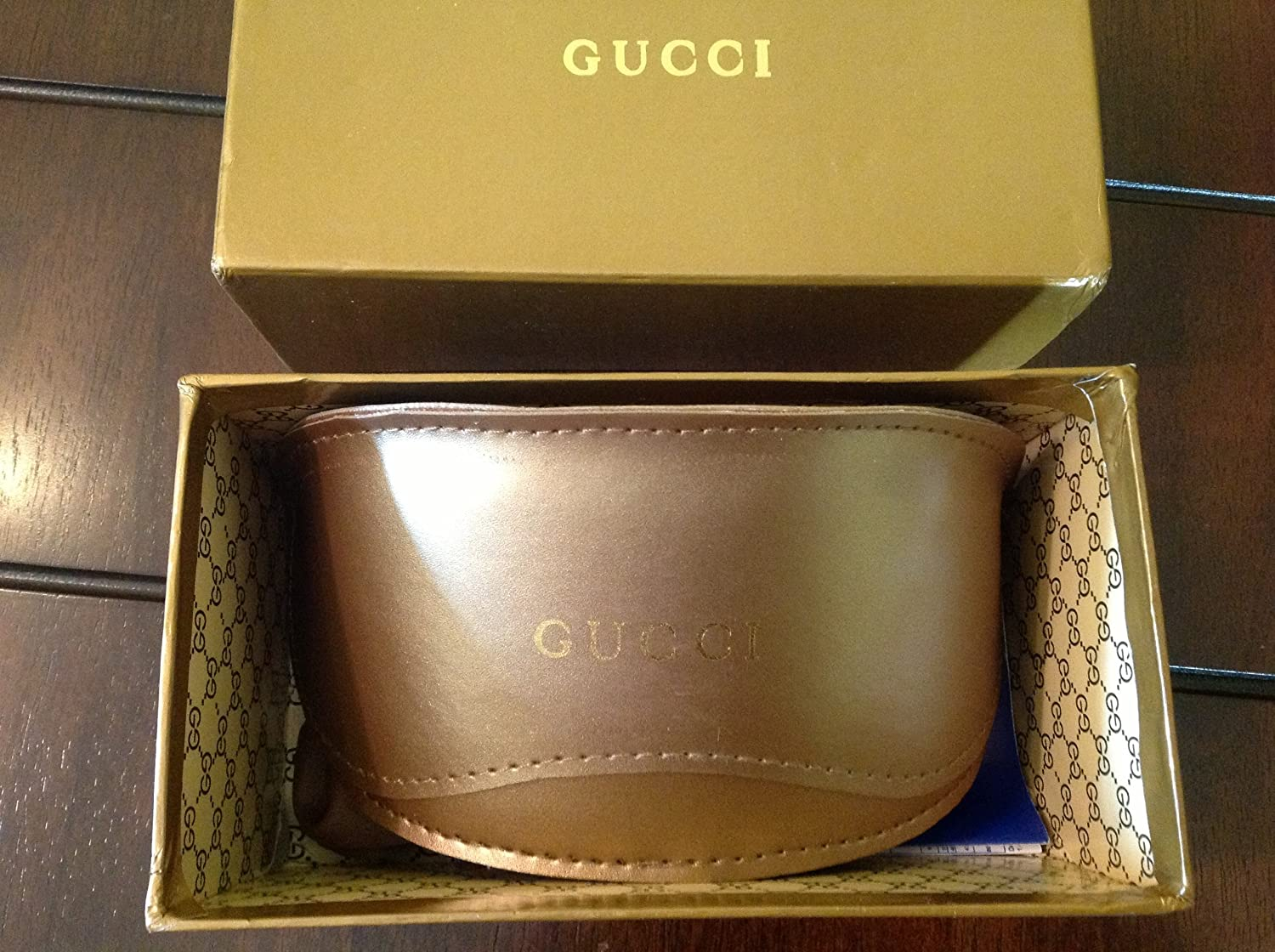 1e2132b5627 Amazon.com  Gucci