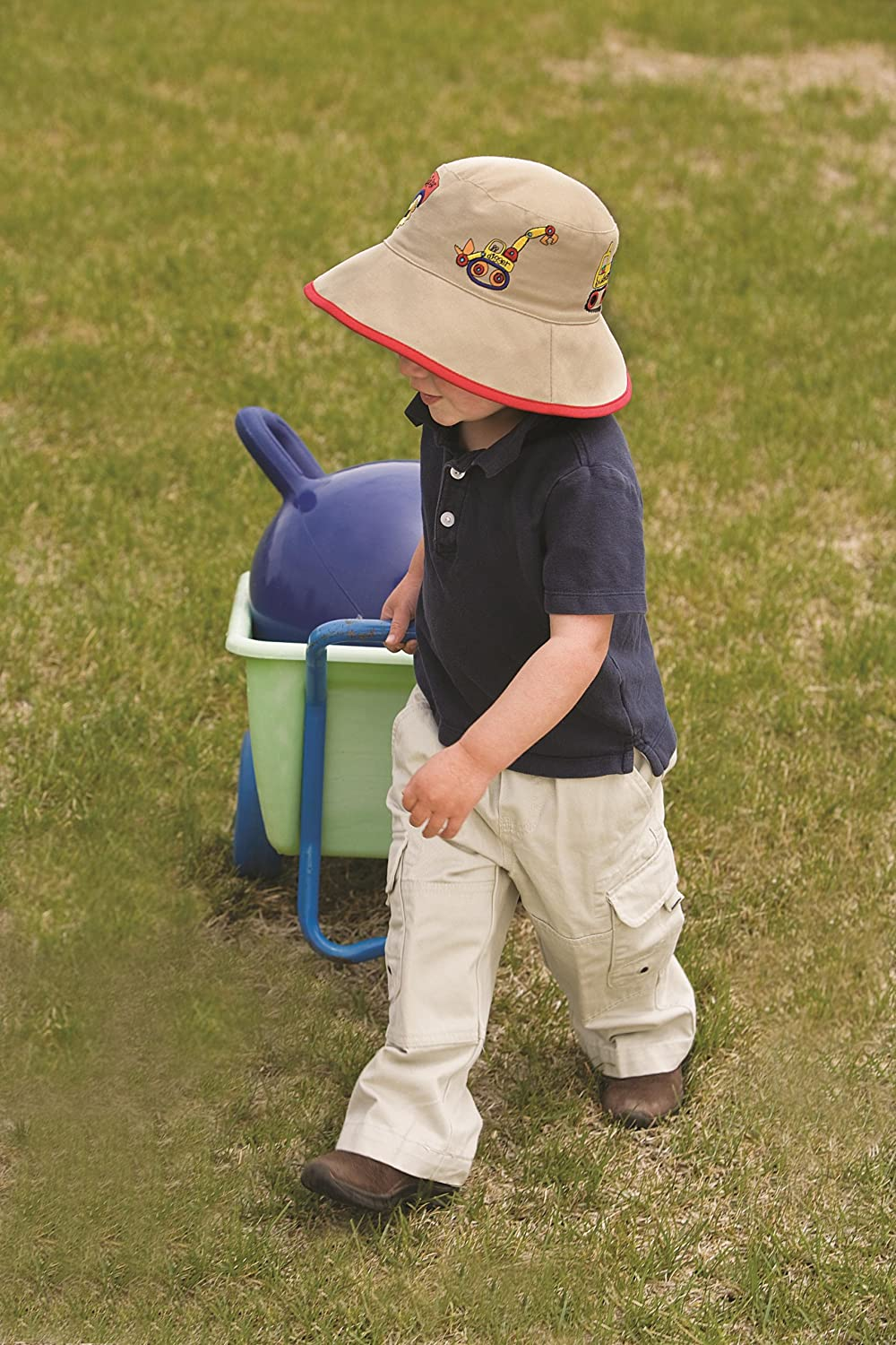 Wallaroo Boy s Kid s Digger UV Sun Hat - UPF50+ Sun Protection 2-5 Years  (Adjustable up to 52 cm)  Amazon.co.uk  Sports   Outdoors 080ec2e1c5fd