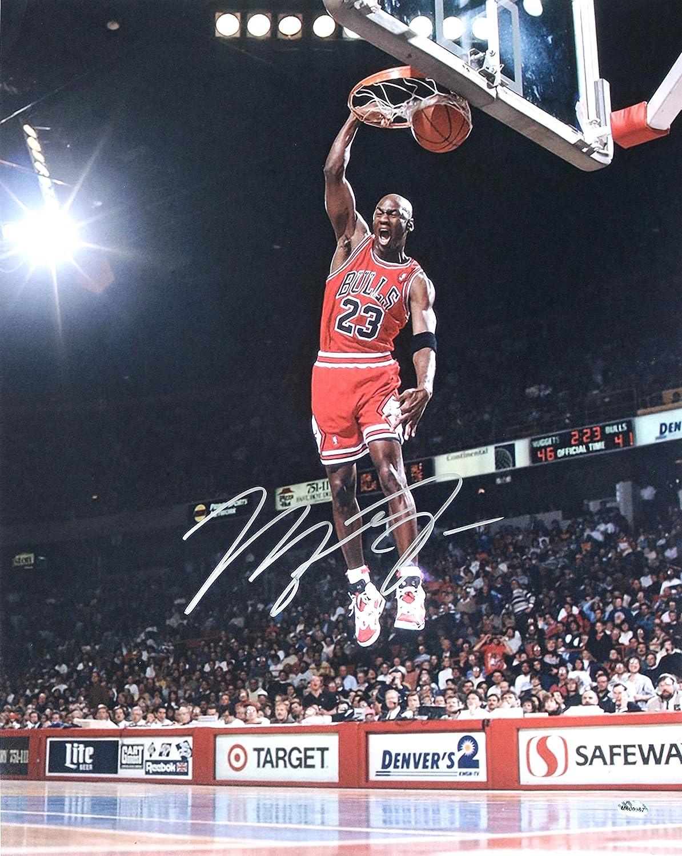 0104b8772cd Michael Jordan Chicago Bulls Signed Signed Autographed 16