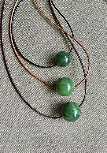 Beautiful Green Pendant Choker