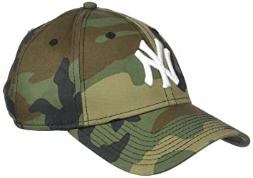 New Era League Essential 940 New York Yankees Woodland Camo Optic White  9Forty Men s Cap 334443f9028d