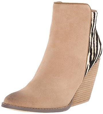 748fea31d671 Amazon.com | Very Volatile Women's Charla Boot | Ankle & Bootie