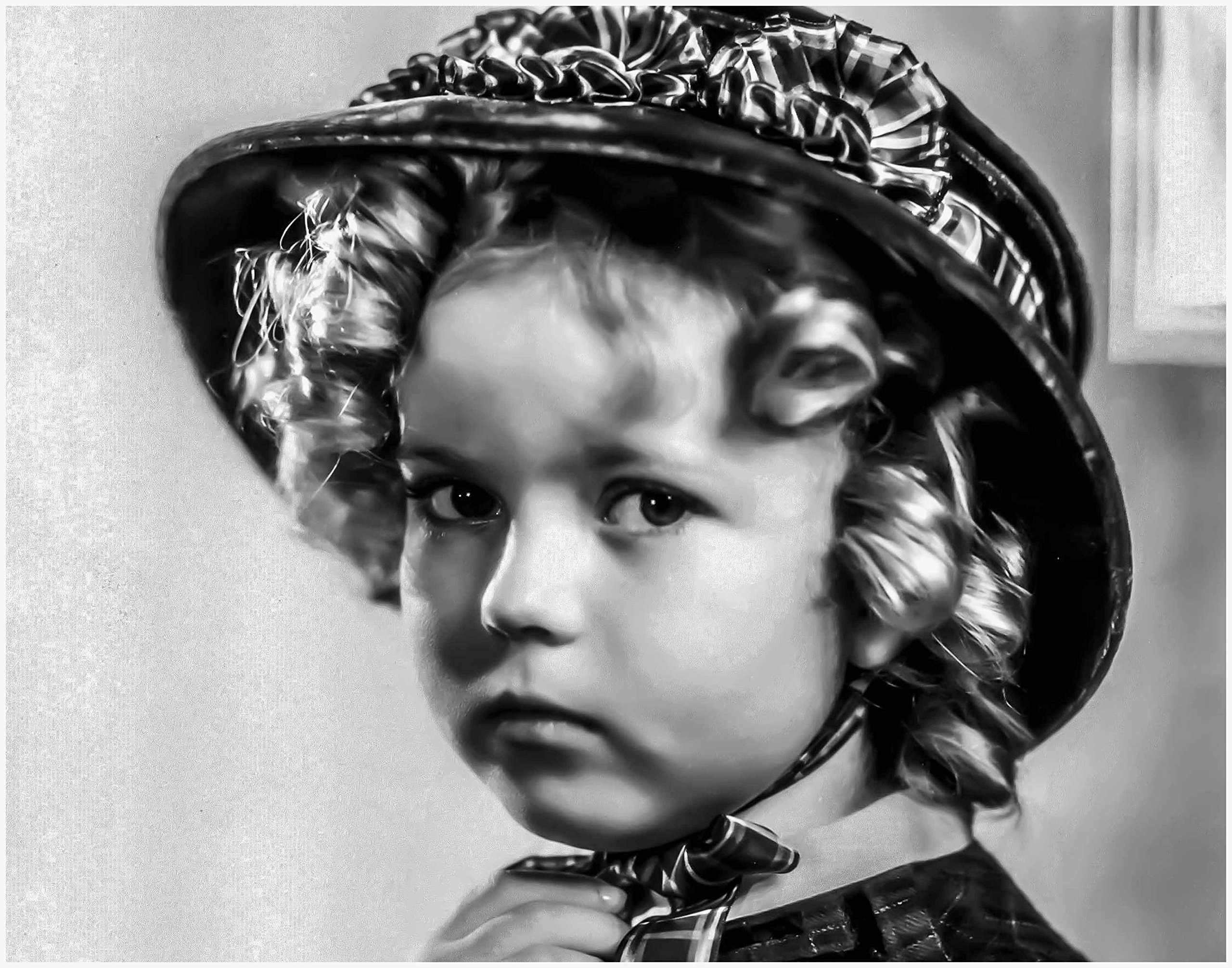 ArtDash® Photo Art Print by Actress SHIRLEY TEMPLE Black and White Portrait (8''×10'' print)