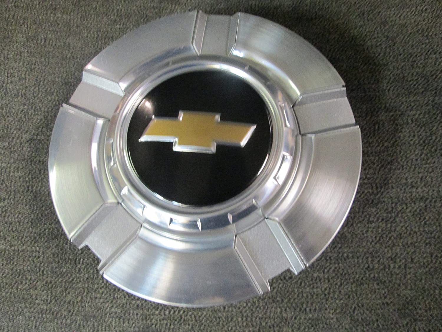 18 Inch OEM Chevy 6 Lug Machined aluminum Center Cap Hubcap Wheel Cover 2007-2014 # 9596343 or 9597991 5291 Silverado Suburban Tahoe Avalanche 1500 Pickup Truck Suv: Automotive