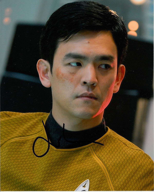 John Cho unterzeichnet 25,4x 20,3cm Farbe Foto–Star Trek–Harold und Kumar–100% Echtheit garantiert–in Person Autogramm, Dealer, UACC Registriert # 242