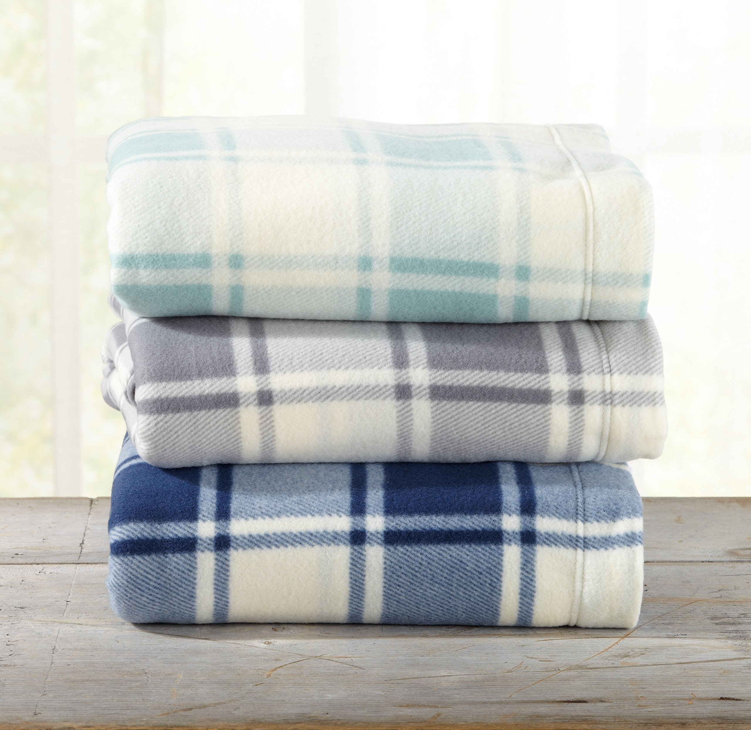 Great Bay Home Super Soft Extra Plush Plaid Polar Fleece Sheet Set. Cozy, Warm, Durable, Smooth, Breathable Winter Sheets with Plaid Pattern. Dara Collection By Brand. (Queen, Harbor Blue) by Great Bay Home (Image #3)