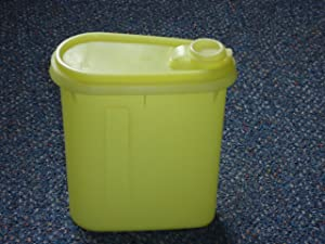 Vintage Tupperware Beverage Buddy Pitcher 32oz in Sheer Yellow