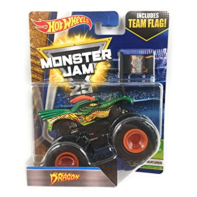 Monster Jam 2020 Hot Wheels 1:64 Scale Truck with Team Flag - Dragon: Toys & Games
