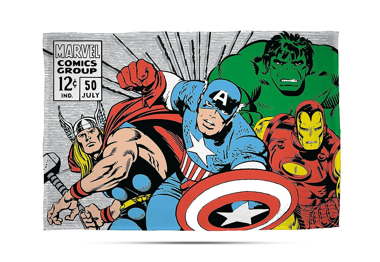 Disney Traditions Marvel Comics 'Retro' Fleece Blanket - Large Print Design Character World DMCRETFL001UK