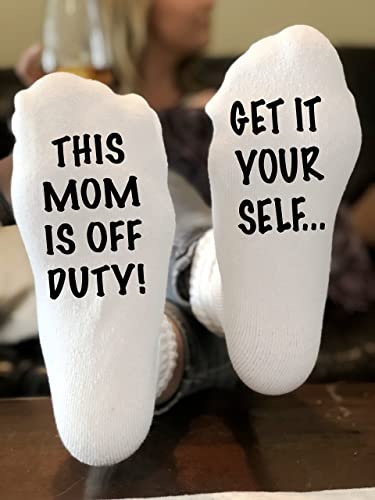 Amazon get it yourself this mom is off duty funny novelty funky get it yourself this mom is off duty funny novelty funky crew socks men women christmas solutioingenieria Images