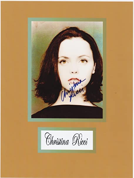"CHRISTINA RICCI 8/"" X 10/"" glossy photo reprint"