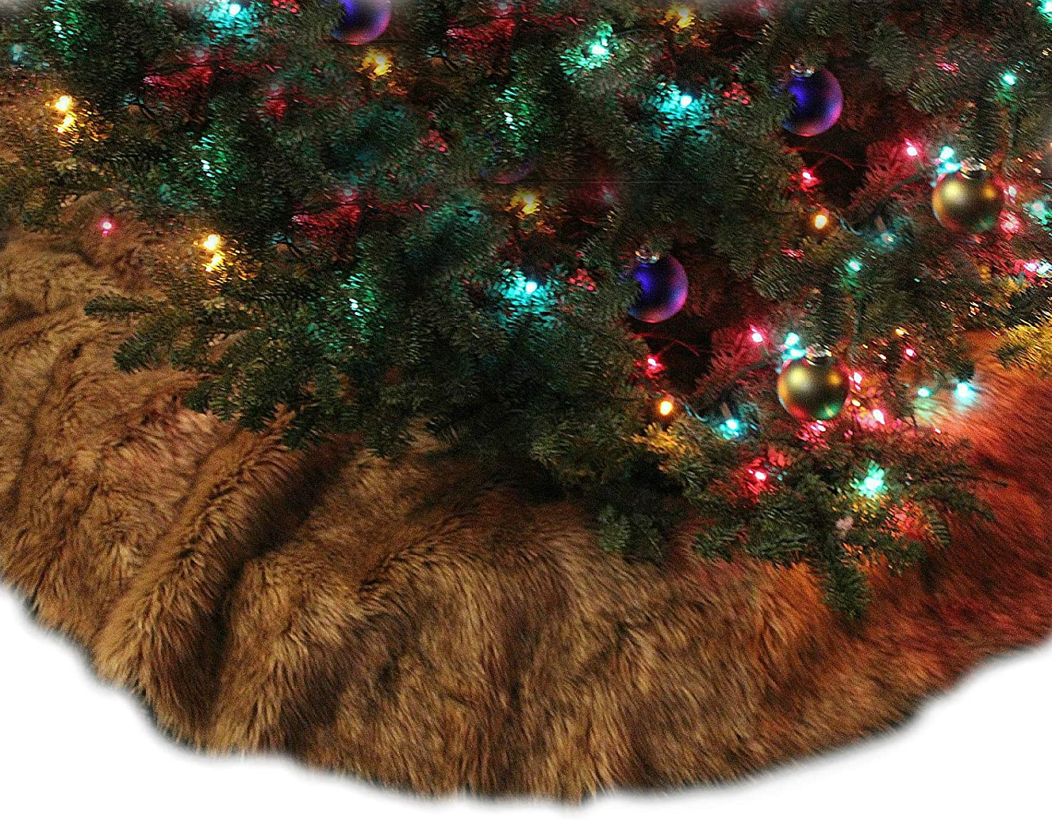 "Fur Accents Keepsake Christmas Tree Skirt - Soft Shaggy Faux Fur Wolf - Coyote Round (48"")"