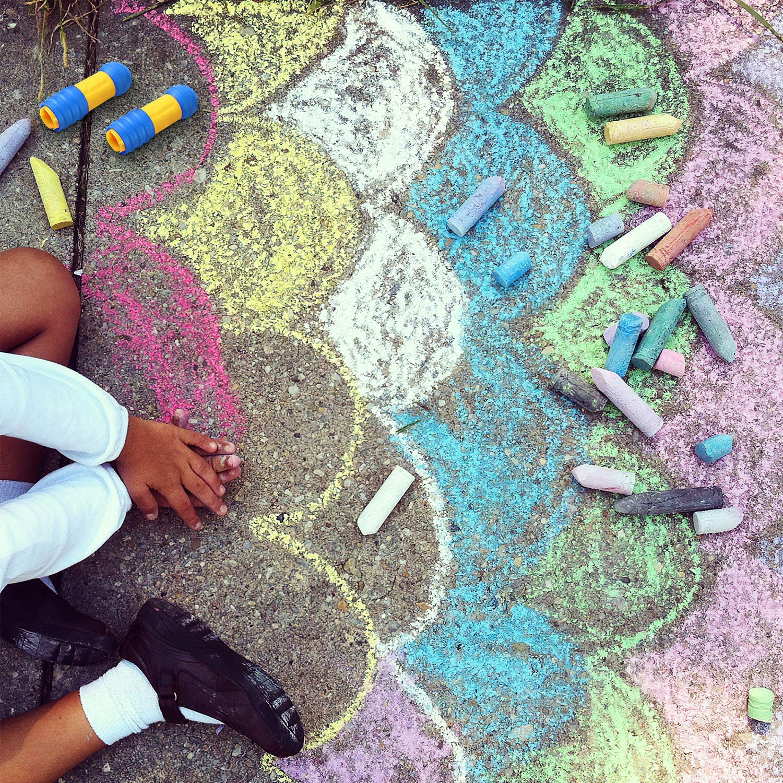 20 Pcs Washable Driveway Chalk Colored Street Chalk Outside Sidewalk Chalk Sets for Kids Toddlers iMustech Jumbo Sidewalk Chalk with 2 Chalk Holder