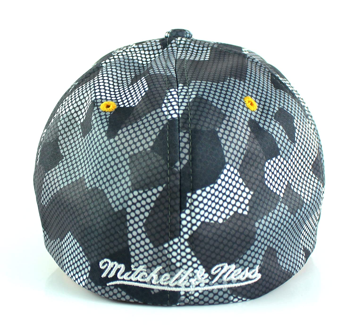 Amazon.com   Mitchell   Ness NBA Carbon Camo Flexfit Slouch Fitted Dad Hat    Sports   Outdoors 0da687d473b4