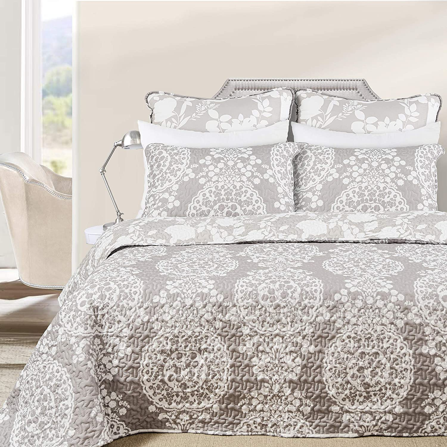DriftAway 3 Piece Samantha Reversible Quilt Set Bedspreads Coverlet Floral Medallion Pattern Cover Prewashed Light Gray and White Queen