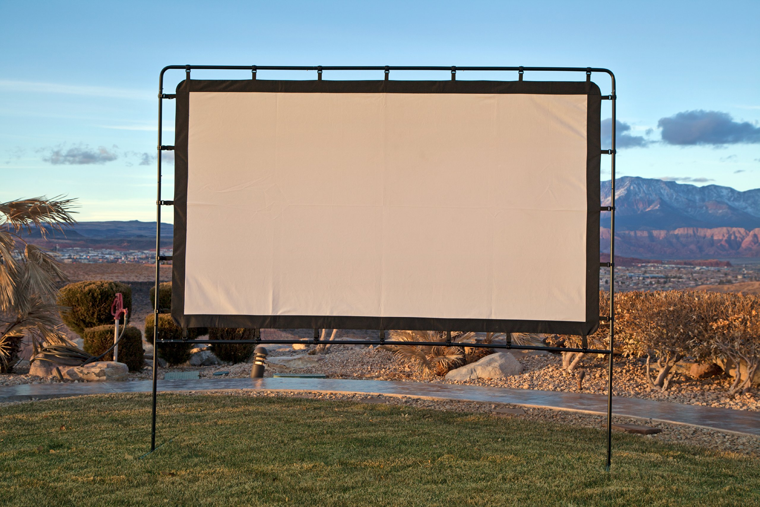 Camp Chef OS92L Portable Outdoor Movie Screen, 92-Inch by Camp Chef (Image #3)
