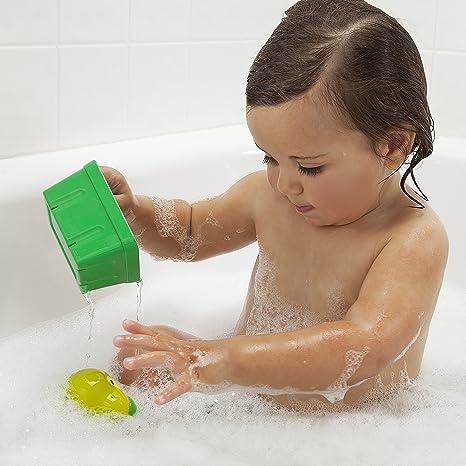 Amazon.com : Munchkin Squirtin\' Strain Fruit Basket Bath Toy, Apple ...