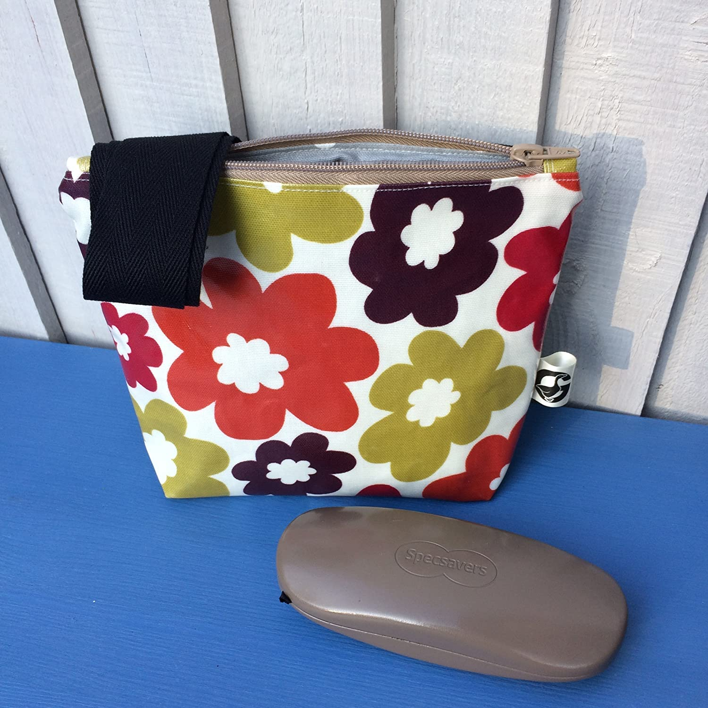 Cross body handbag, retro flower handbag, oilcloth handbag, gift under £ 25, handmade gift, mother's day gift, dog walking bag gift under £25 mother' s day gift