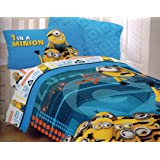 Despicable Me 2 Twin Comforter and Sheet Set 'Minions at Work'