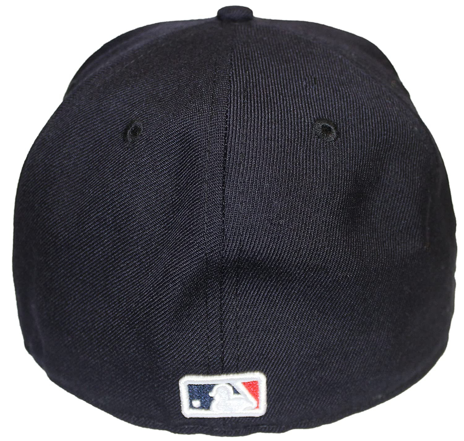 8c1f0b2f9d667 Amazon.com  New Era 59Fifty 2009 World Series Champion NY Yankees Fitted  Side Patch NY 7  Clothing
