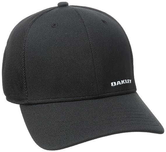e5983fc0d49 Amazon.com  Oakley Mens Silicon Bark Trucker 4.0 Hat  Clothing