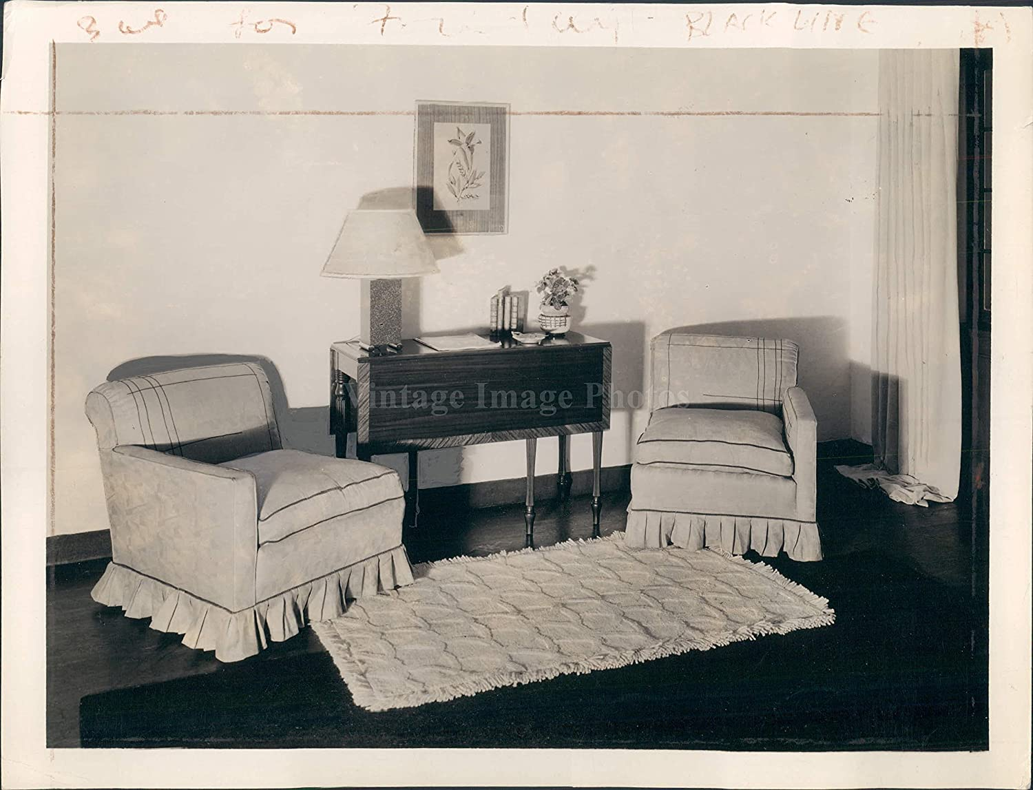amazon com 1933 furniture two chairs lamp stand rug room inside
