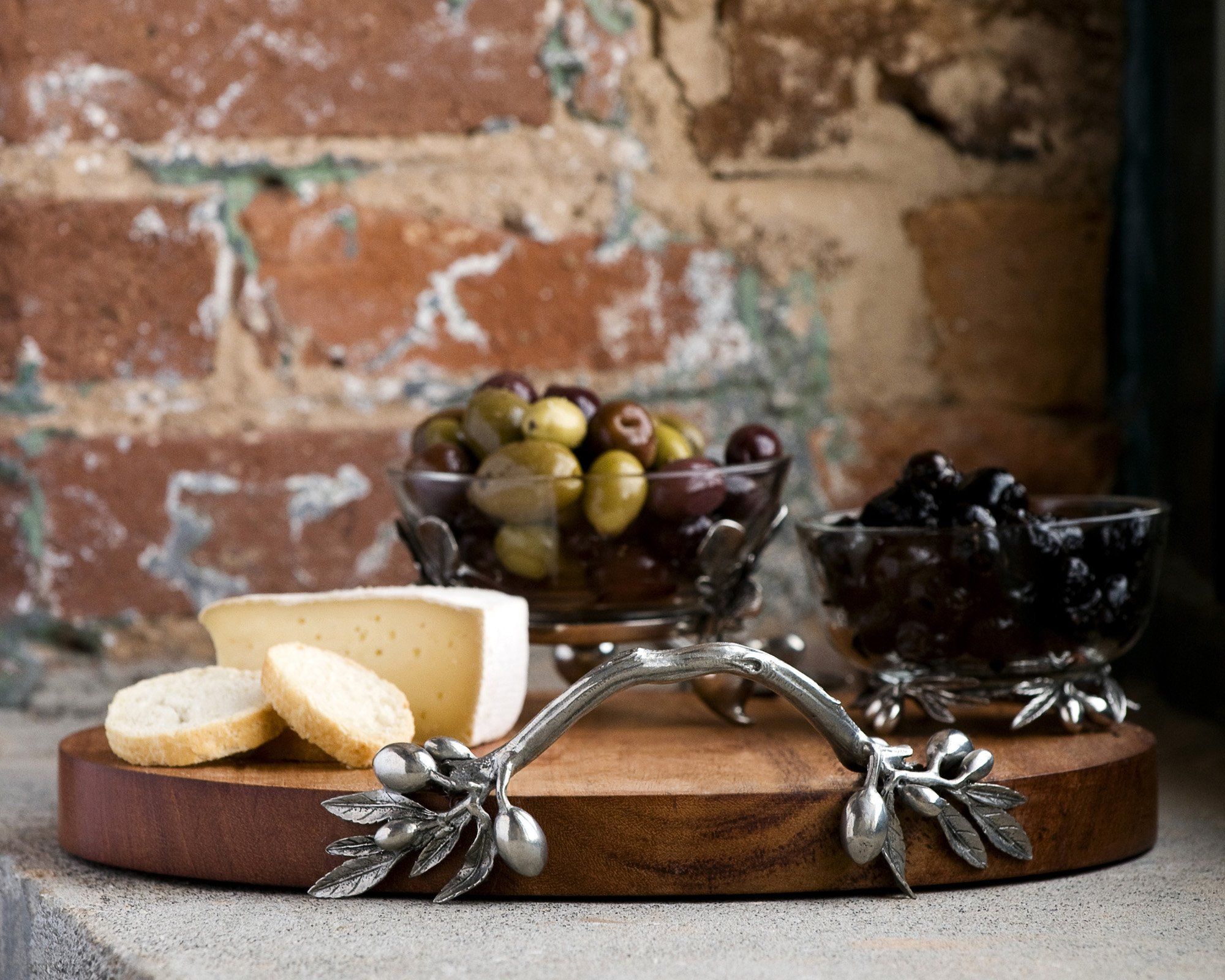 Vagabond House Olive Grove Pewter Handle Wood Cheese Board 13.5'' Diameter