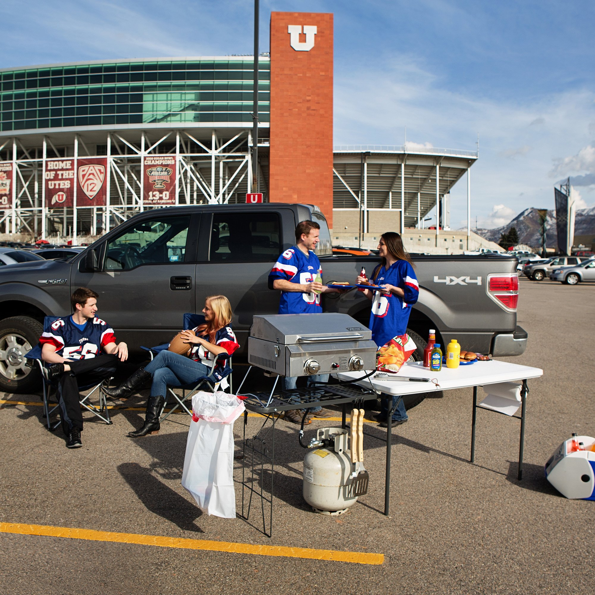 Lifetime 4-foot Tailgate Table with Wire Pull Out