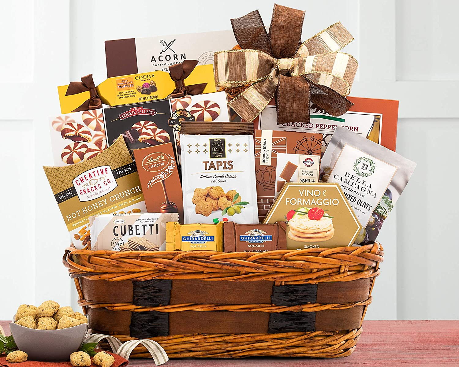 Amazon Com The Bon Appetit Gourmet Food Gift Basket By Wine Country Gift Baskets Gourmet Snacks And Hors Doeuvres Gifts Grocery Gourmet Food