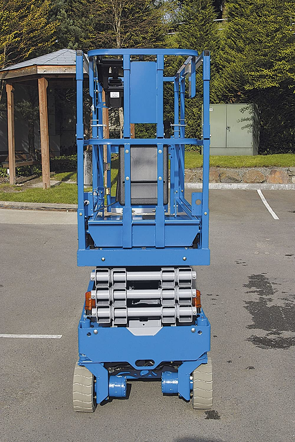 Genie Gs 1930 Self Propelled Electric Scissor Lift 500 Lbs Platform 3232 Wiring Diagram Load Capacity 19 Height Trucks Industrial Scientific