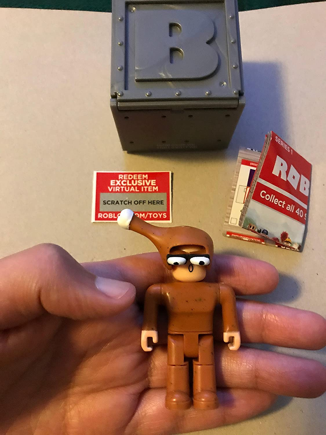Roblox Series 1 Action Figures Complete Reference Guide Roblox Roblox Series 1 Chicken Man Action Figure Mystery Box Virtual Item Code 2 5 Figures Amazon Canada