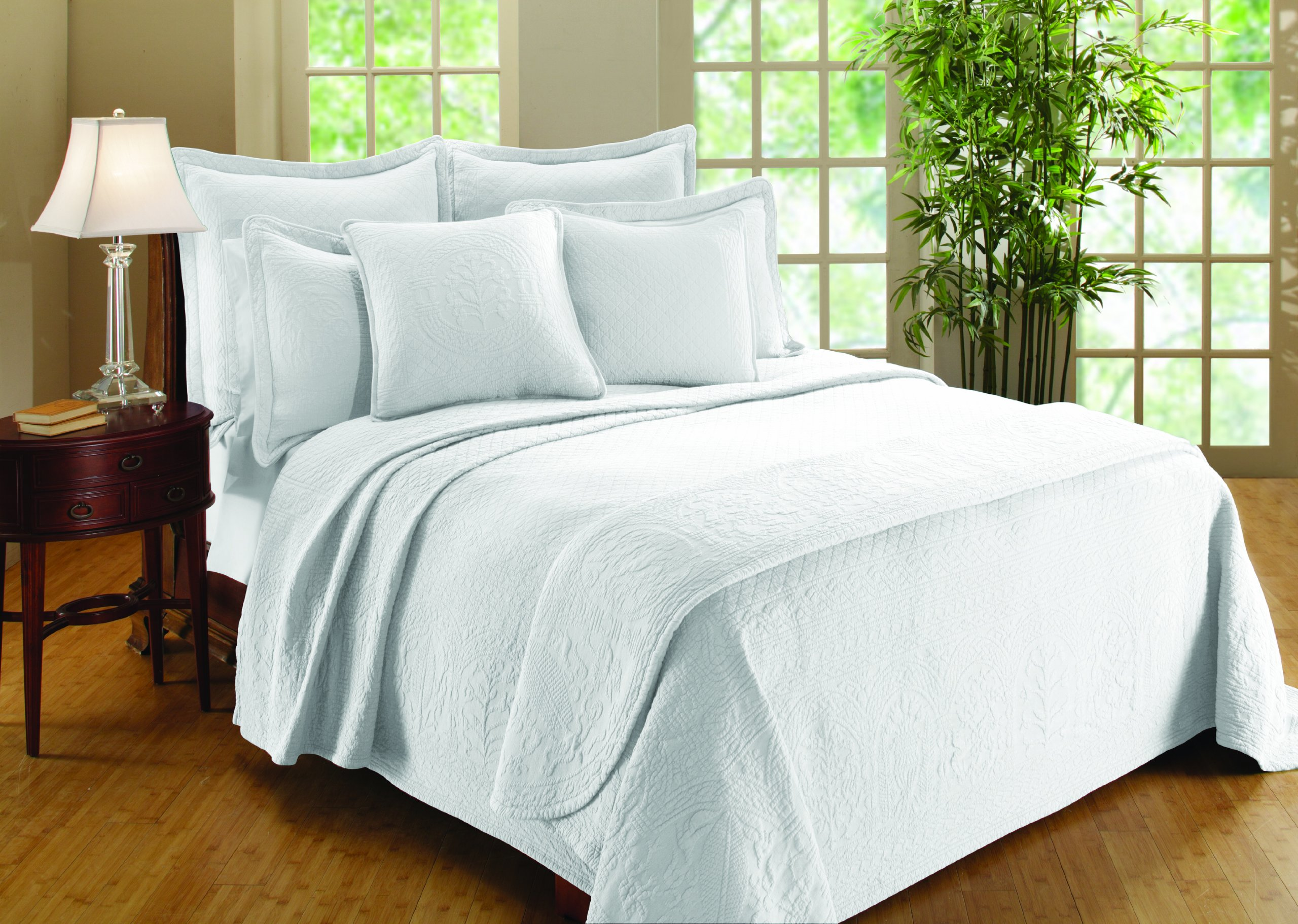 Williamsburg William and Mary Matelasse King Bedspread, White