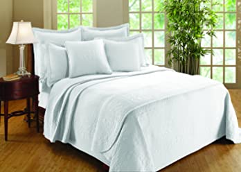 Royal Heritage Home Williamsburg William and Mary Matelasse Full Bedspread, White