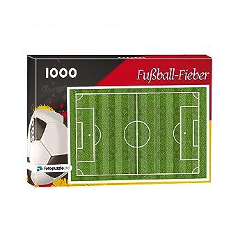 Nur Fur Puzzle Profis Fussballplatz Als 1000 Teile Puzzle