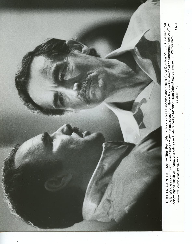 Burt Reynolds Vittorio Gassman Original 8x10 Photo T6170 At Amazon S Entertainment Collectibles Store