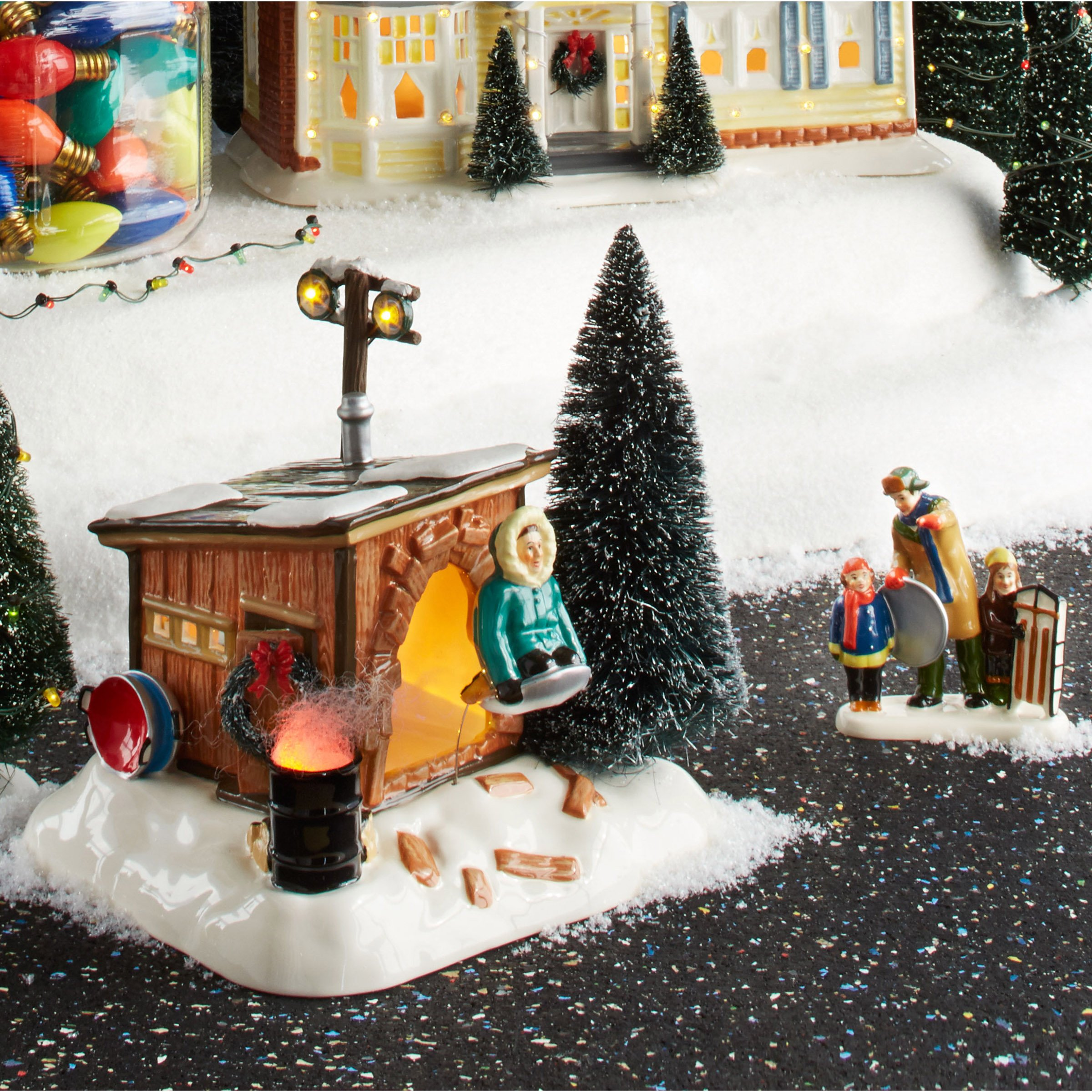 Christmas Vacation Sled.Department 56 National Lampoon S Christmas Vacation Griswold Sled Shack Lit Building