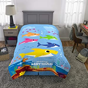 "Franco Kids Bedding Super Soft Microfiber Reversible Comforter, Twin/Full Size 72"" x 86"", Baby Shark"
