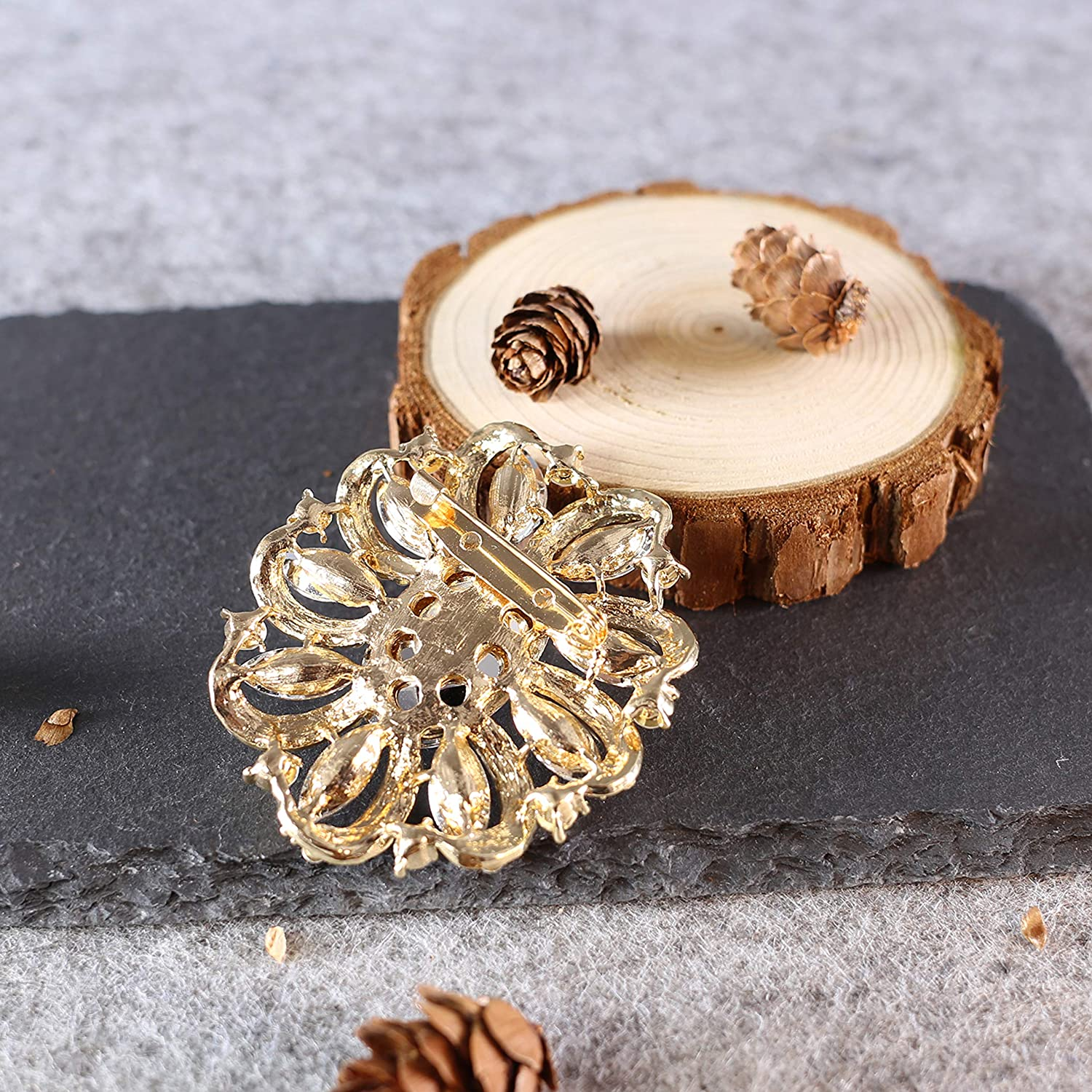 Premium Black,Red,Blue Multiple Crystal Rhinestones Bouquet Shell Brooch with Gold and Silver Tone Great for Wife,Sisters,Friends,Daily Wear or Dating ZUOZUOYA Vintage Flower Brooch for Women
