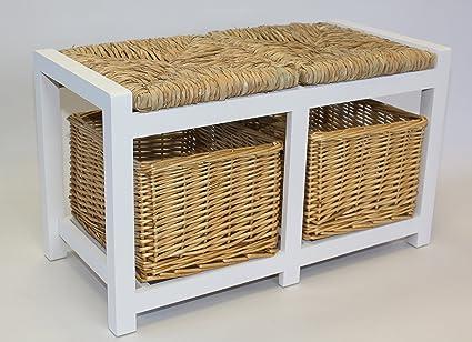 Banco de madera blanco de dos plazas con cestas de mimbre y asiento ...