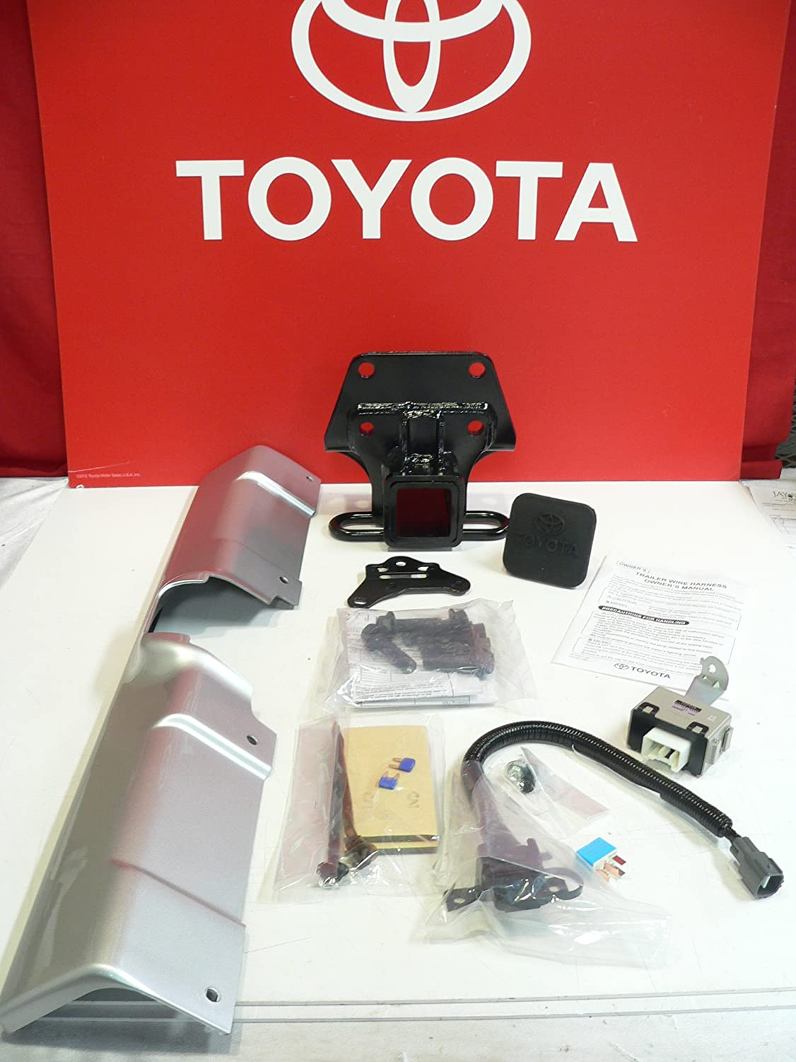 Oem Toyota Fj Cruiser Hitch and Harness Kit on