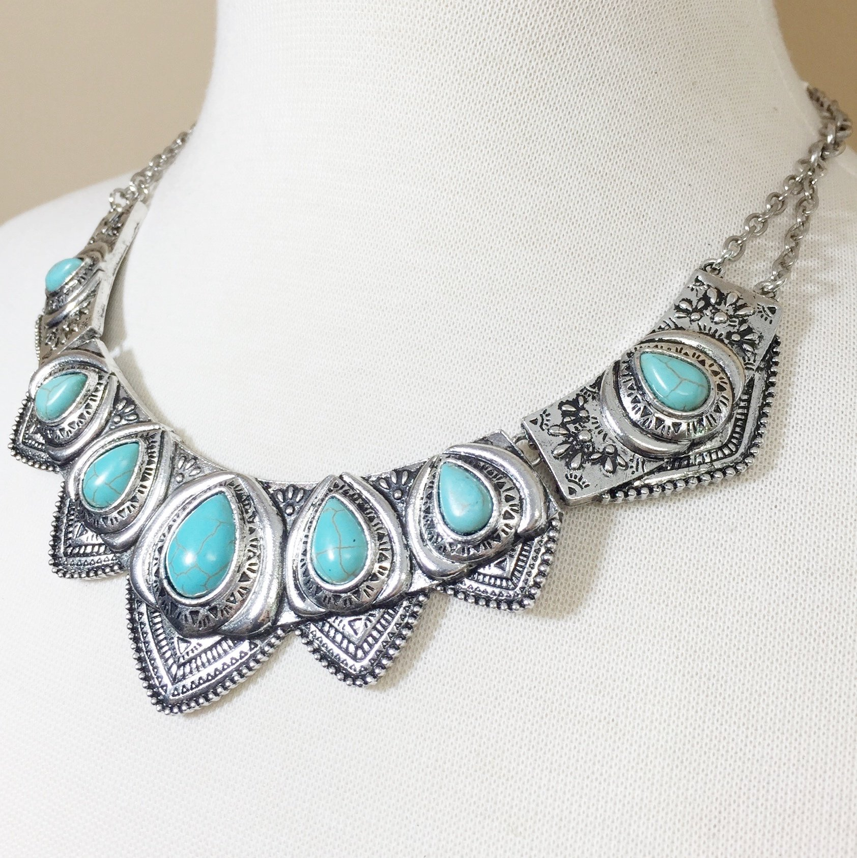 Western Style Imitation Turquoise Necklace and Earrings Set (Silver Tone Scalloped) by Gypsy Jewels (Image #2)