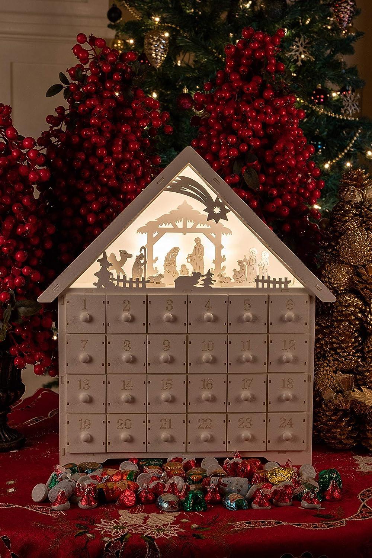 Clever Creations mit funktionierenden Schubladen beleuchtbar 44,5 x 10 x 40,5 cm Batterien Nicht enthalten Adventskalender mit LED-Beleuchtung und Krippenszene