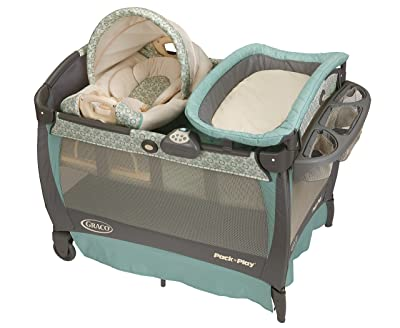 Graco-Pack-baby-bassinet-Cuddle-Cove-Rocking-Seat